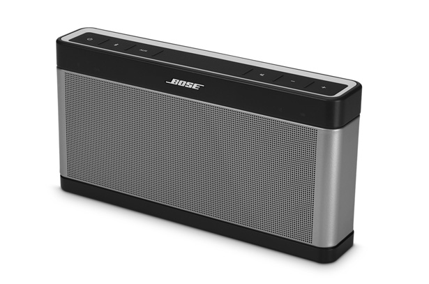 bose soundlink iii test complet encore plus performante. Black Bedroom Furniture Sets. Home Design Ideas