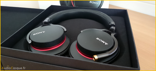 Unboxing Sony-MDR-1A