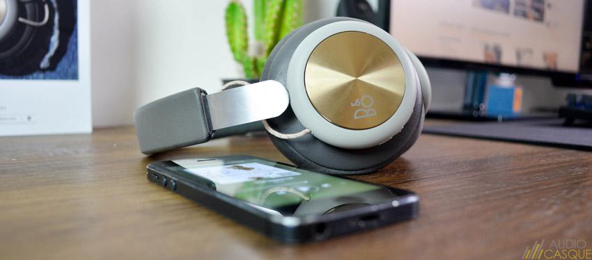 Le casque offre une belle qualité audio, notamment du côté des basses